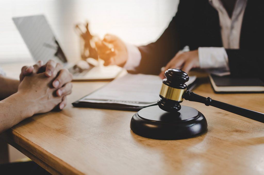 Common Litigation Lawyer